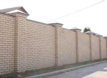 Капитальный забор из кирпича