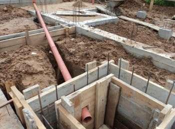 Как-делается-разводка-канализации-в-частном-доме-своими-руками-1